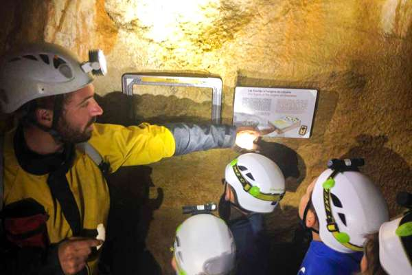 Caving Guides