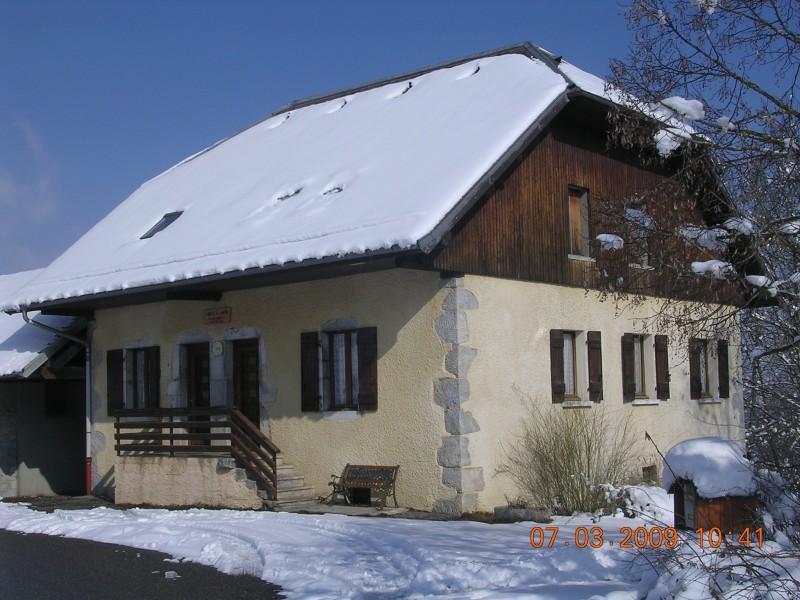 location-meublee-la-fruitiere-en-hiver-le-chatelard