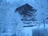 Le chalet sous la neige, il neige, il neige